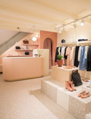 Lazzari Store, Верона